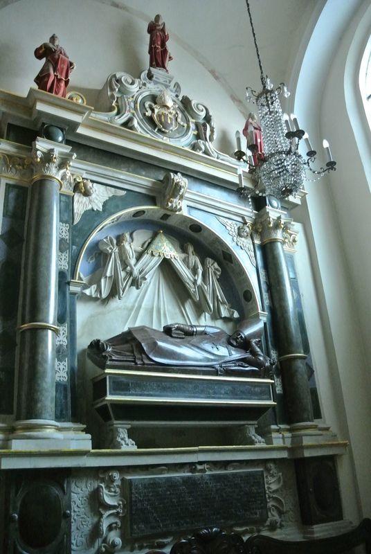 Kaplica św. Marcina - nagrobek W,Goślickiego