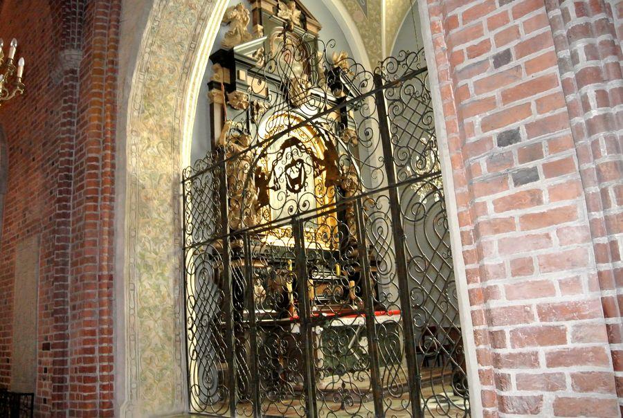 Kaplica Matki Boskiej - Szołdrskich  kraty