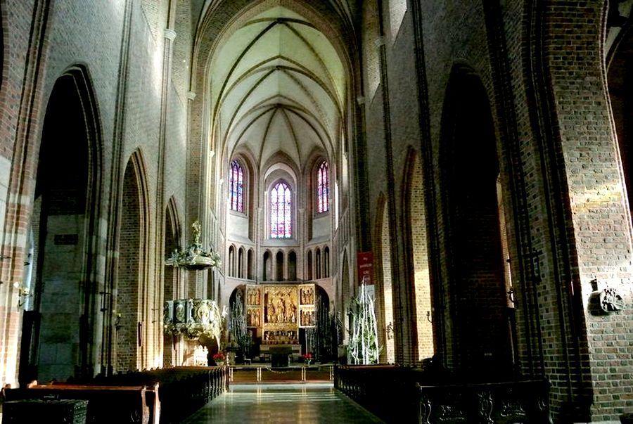 Katedra wewnątrz3 Kopia