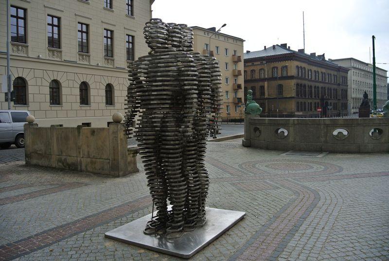 4ab pomniki golem