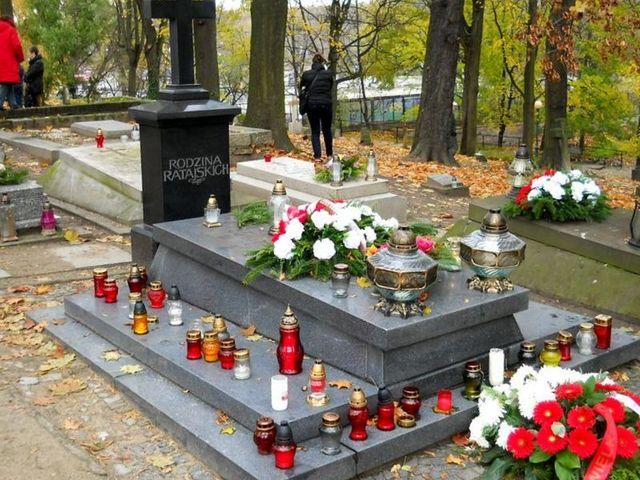 1p Cmentarz Zasłużonych