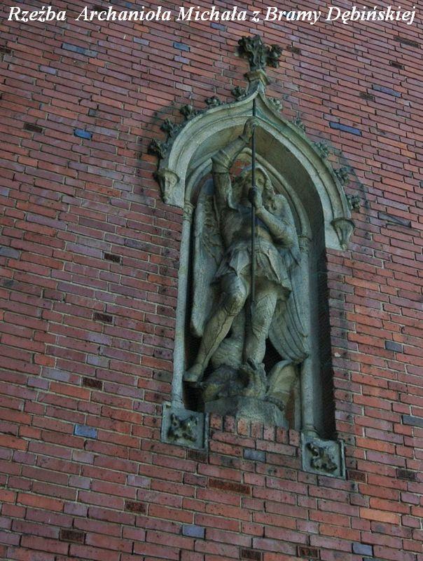 Rzeźba  Archanioła Michała z Bramy Dębińskiej 1