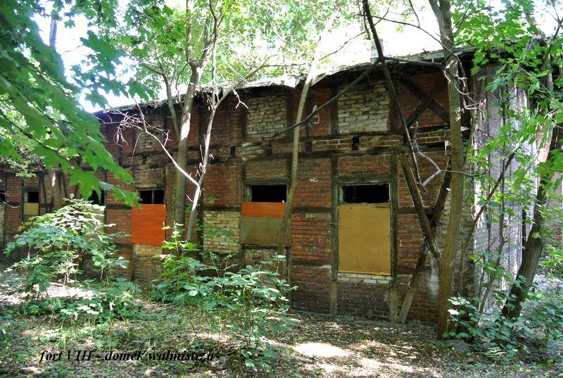 fort VIII - domek wałmistrza1