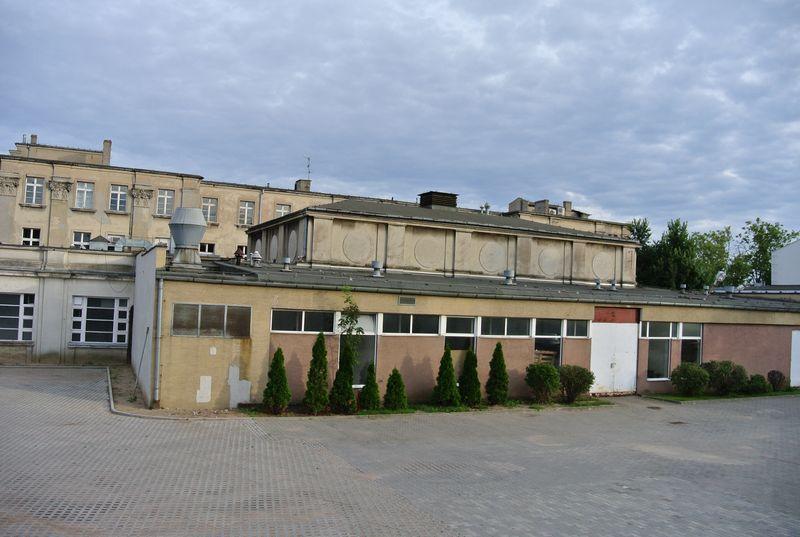 budynek administracyjny 9