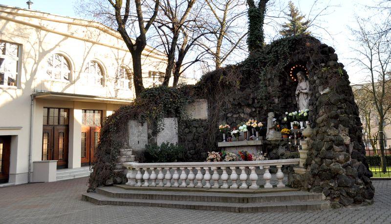 Grota Matki Bożej z Lourdes1