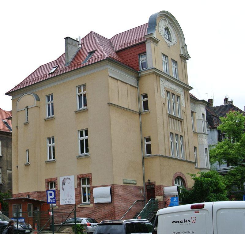 Mickiewicza 28f,