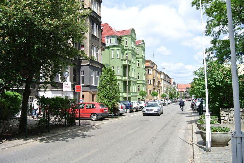 7 030 Kochanowskiego